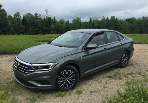 On the Road Review: VW Jetta SEL