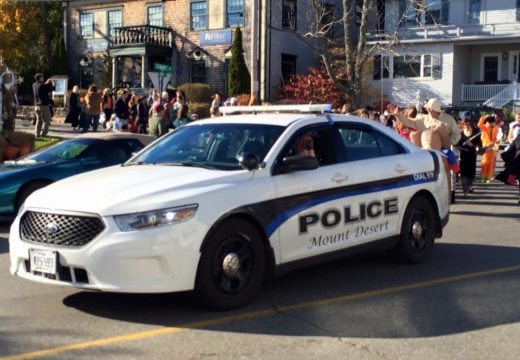 Island Police: Four vehicles involved in Mount Desert accident